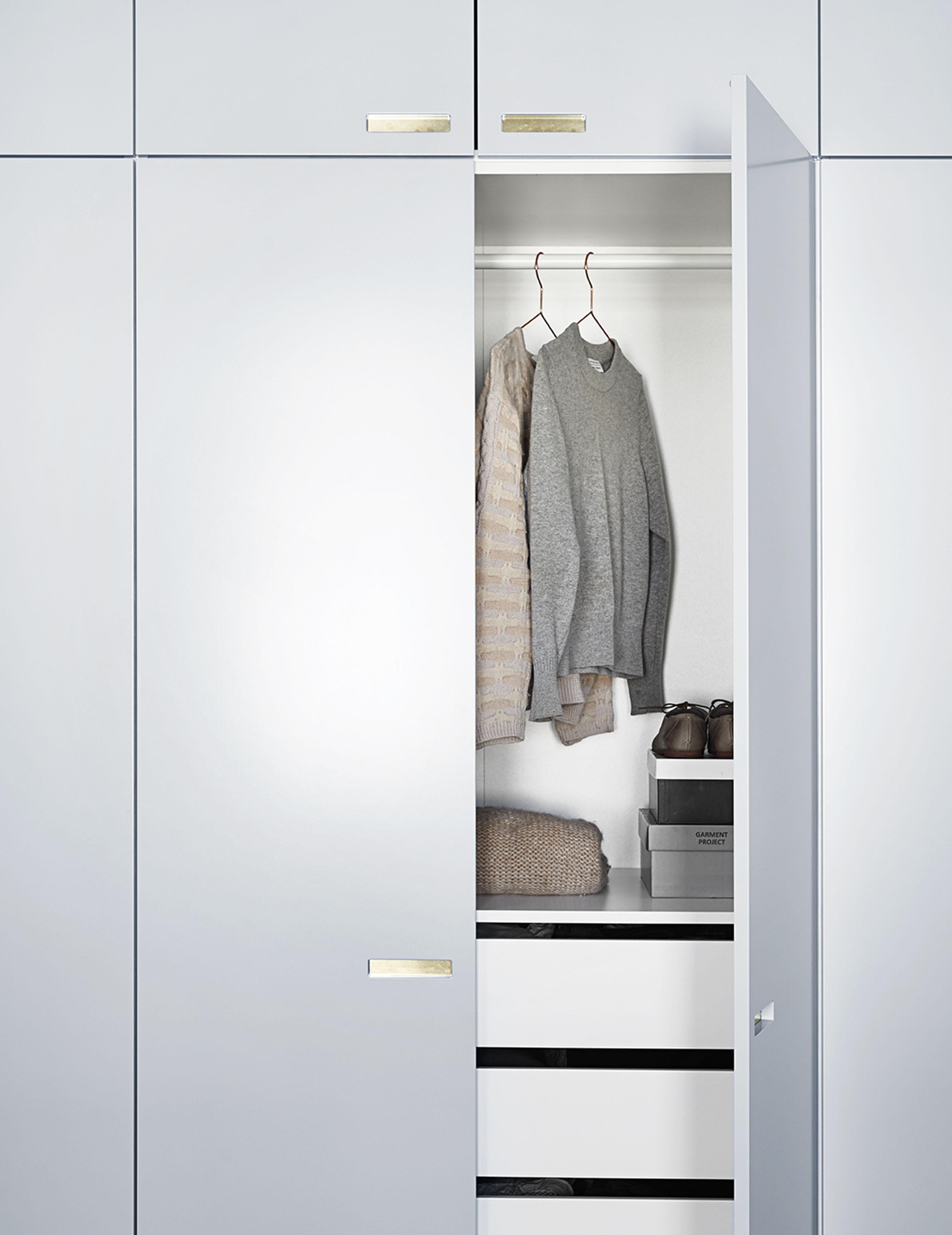 ikea-hack-designer-skab-garderobe-skabslåger-til-ikea-pax-painted-fronter-til-ikea-and-shufl-andshufl-2